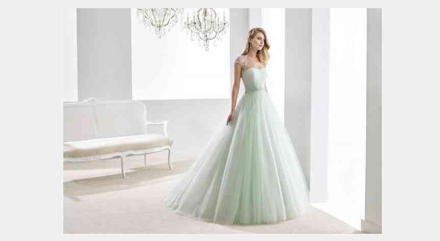 rochie de mireasa verde menta