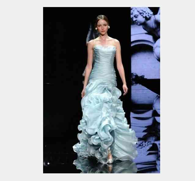 rochie mireasa turcoaz