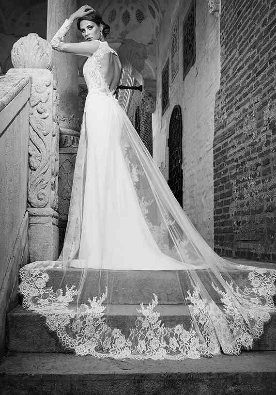 rochie cu trena bien savvy