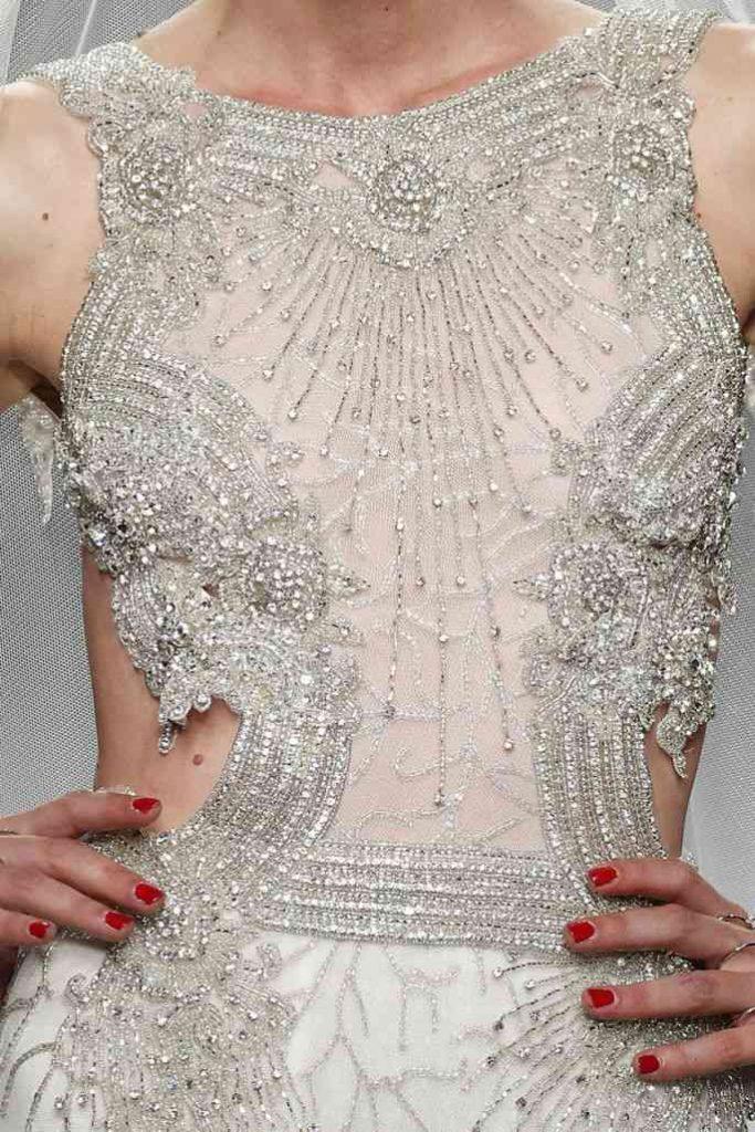 rochie mireasa cu pietre