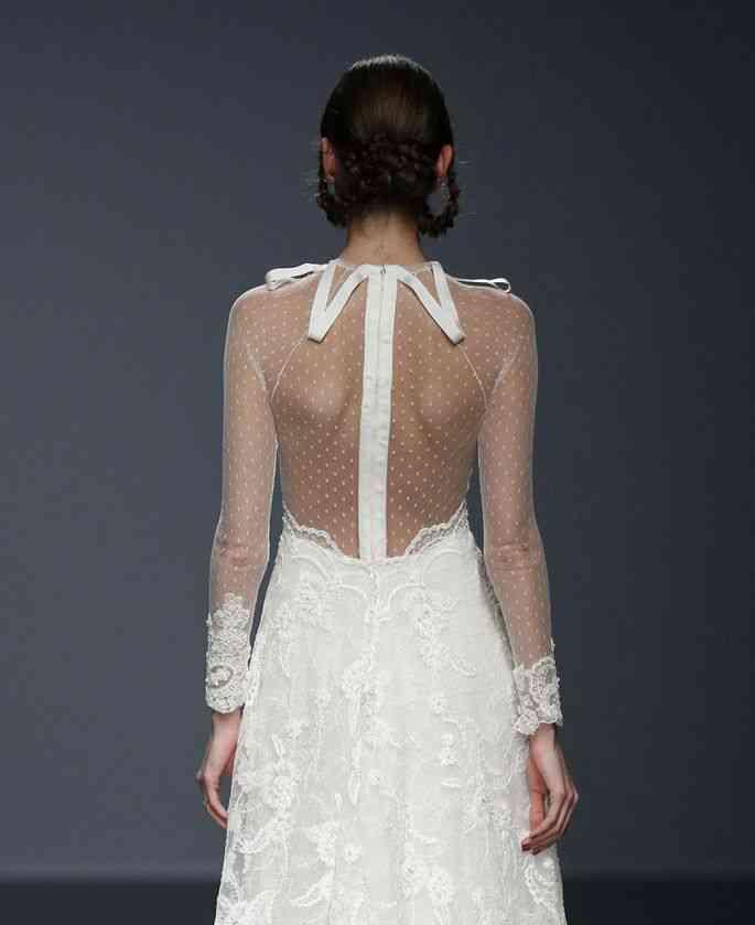 rochie mireasa spate transparent