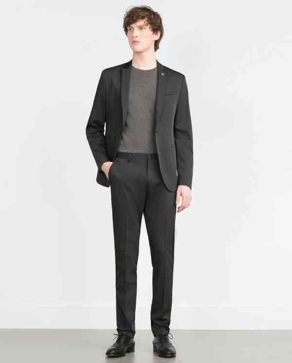 costum negru zara+tricou gri