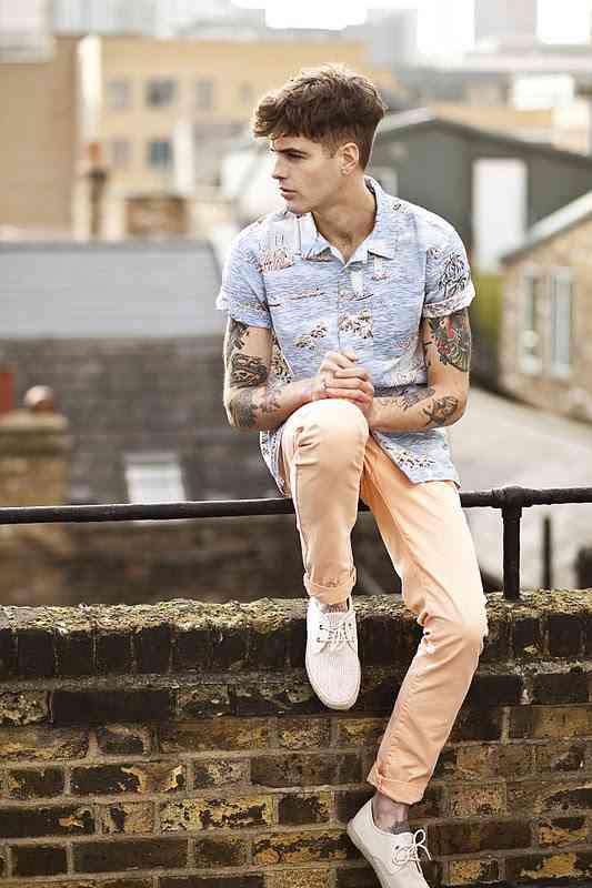 pantaloni roz barbati primark