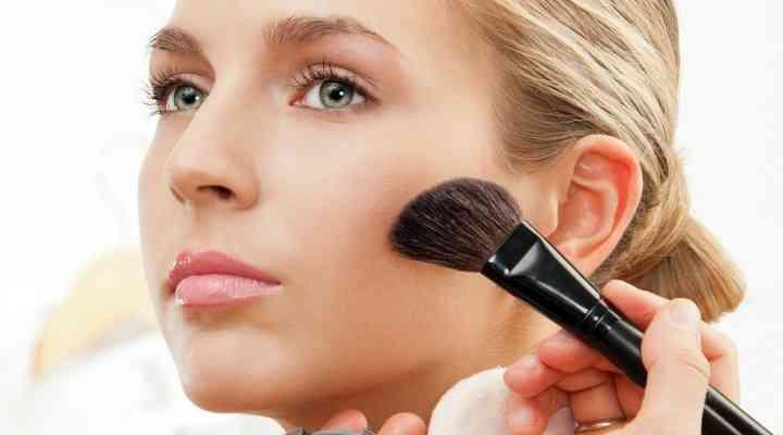 Cum să alegi fardul de obraz în funcţie de nuanţa pielii
