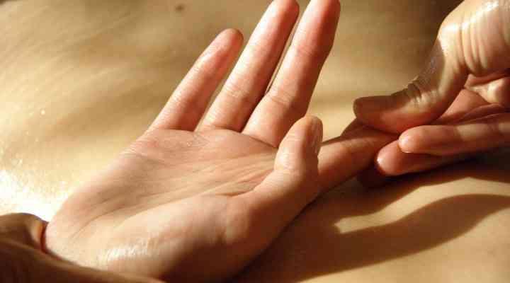 Automasajul mâinilor