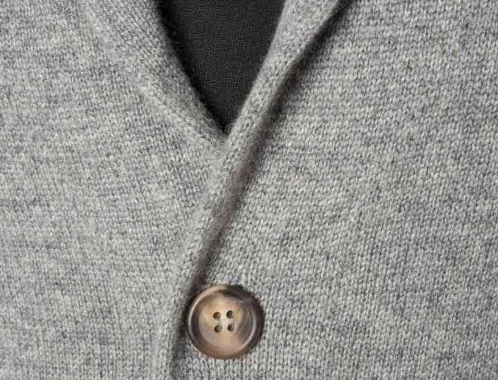 Cardiganul cu guler tip şal: noul must-have pentru bărbaţi, din sezonul acesta