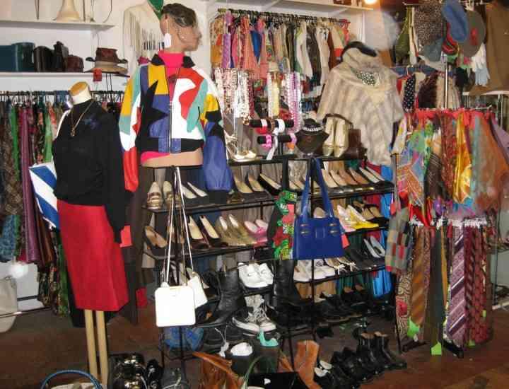 De ce să cumperi şi să porţi haine vintage