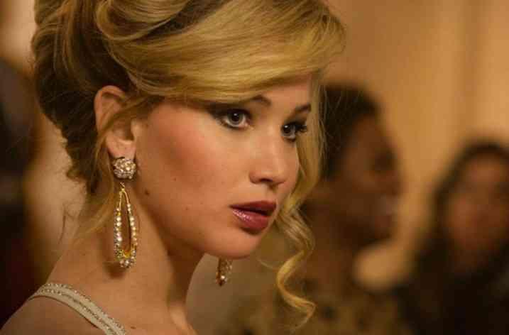 Cum să obţii machiajul afişat de Jennifer Lawrence în American Hustle