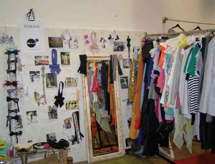 Târg cu haine vintage şi cosmetice bio, în Bucureşti, sâmbătă