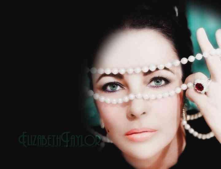 Ţinutele retro à la Monroe, Hepburn şi Taylor- cum să le porţi în zilele noastre