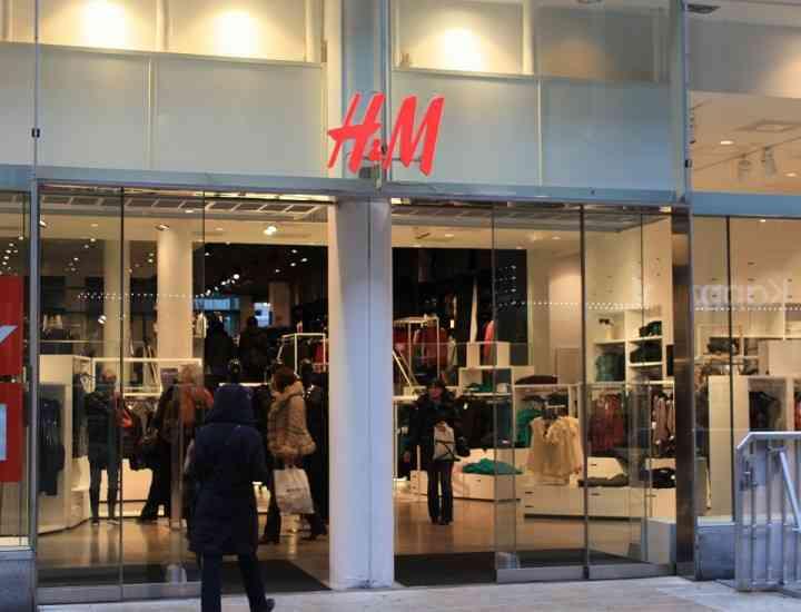 33 de magazine H&M în România