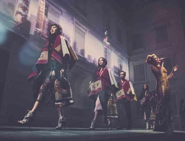 Casa de modă Burberry a inaugurat spectaculos noul magazin din Shanghai