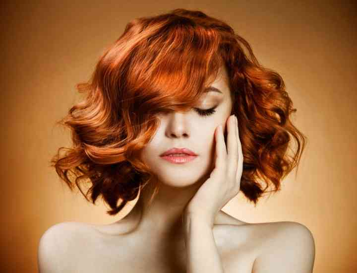 Cum îți dai seama ce culoare de păr ți se potrivește