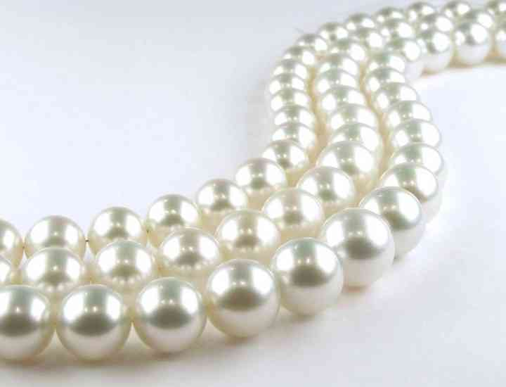 Perlele sunt din nou în tendinţe