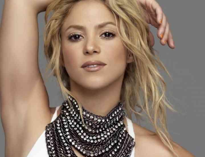 Shakira va avea un băiețel
