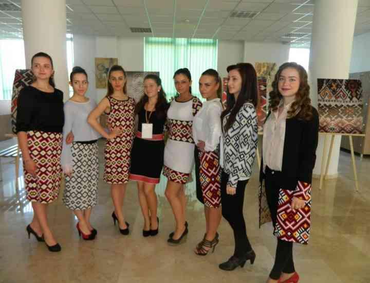 Romanian rapsody – Tradiție și modernism în vestimentație