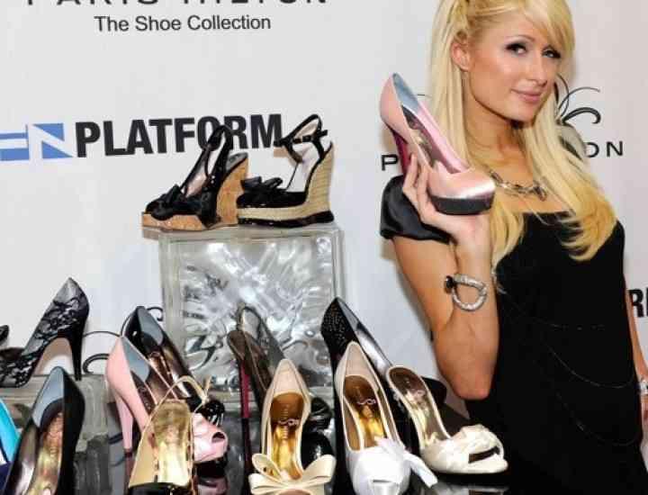 Un producător de încălţăminte a dat-o în judecată pe Paris Hilton