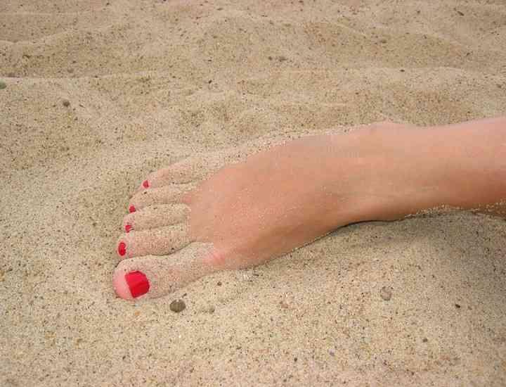 Cum îţi pregăteşti picioarele pentru vară