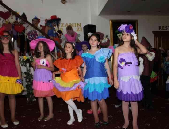 Paradă de modă neconvențională pentru copii