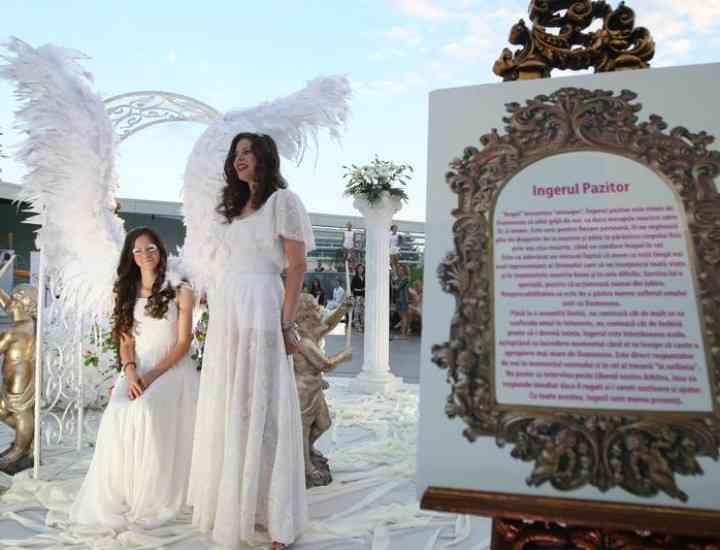 Lachez Angels by Rita Mureşan