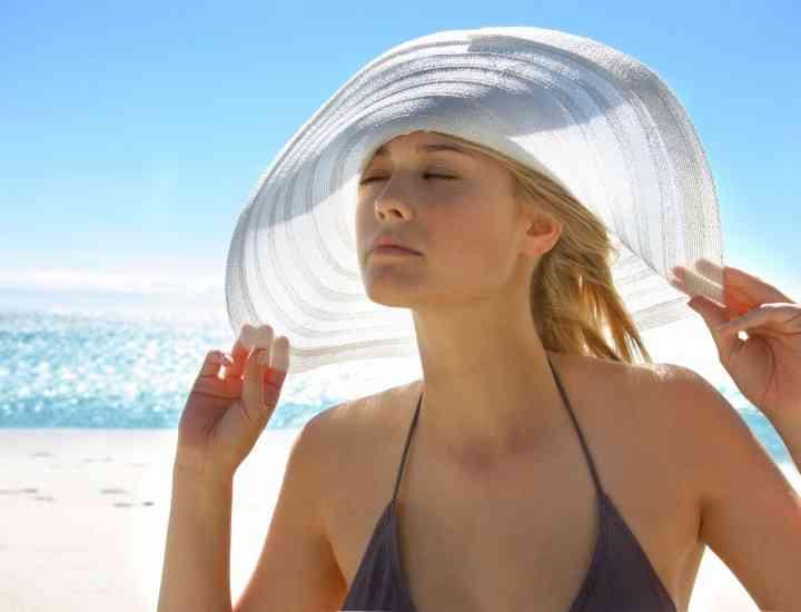 Soarele puternic ne atacă pielea. Cum luptăm împotriva lui