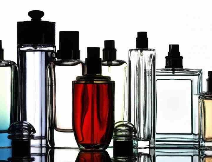"""Cele mai cunoscute case de modă din lume: """"UE ne distruge parfumurile"""""""
