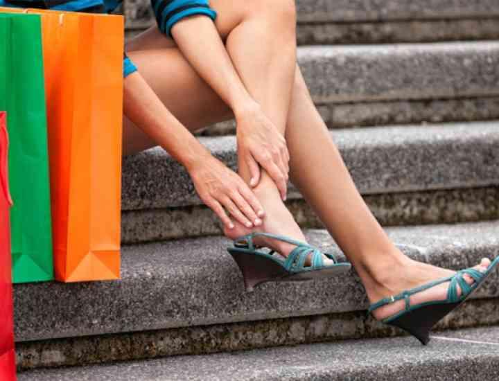 Te rănesc pantofii? Trucuri ca să-i faci mai comozi