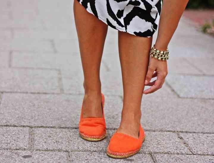 Andreea Pătraşcu ne recomandă să purtăm espadrile