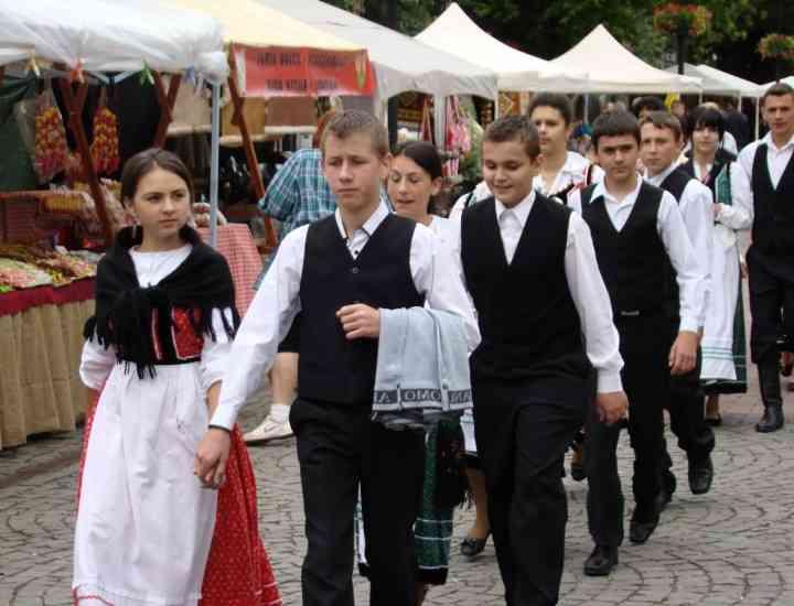 Sărbătoarea anuală a portului popular şi a obiceiurilor specifice maghiarilor care trăiesc în Transilvania