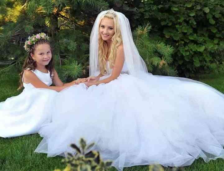 Rochia de mireasă aleasă de Simona Nae este semnată Laura Olteanu