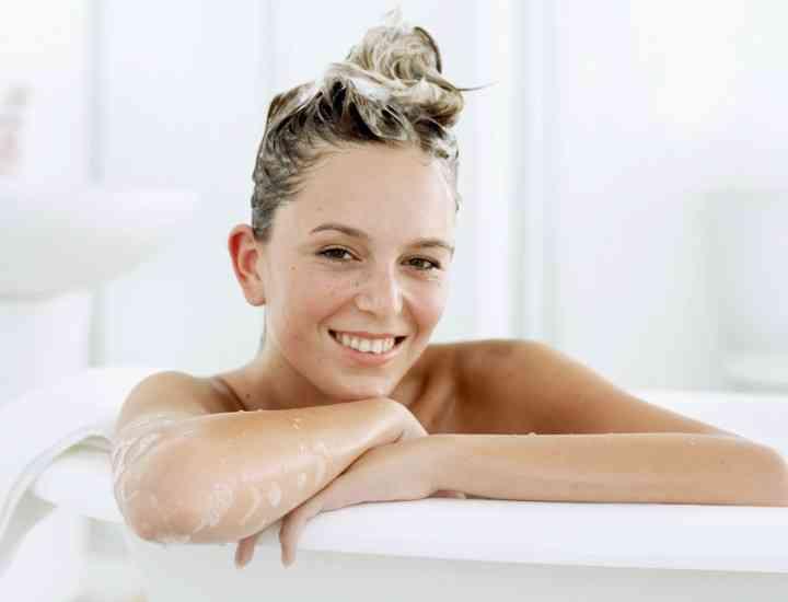 Soluţii naturiste pentru îngrijirea părului