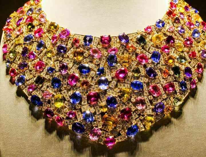 Ultimele tendinţe în materie de bijuterii, prezentate la târgul Tendence