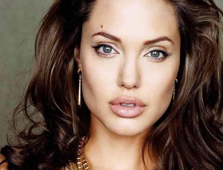 Cum își îngrijește Angelina Jolie tenul și cât plătește pentru un chip perfect