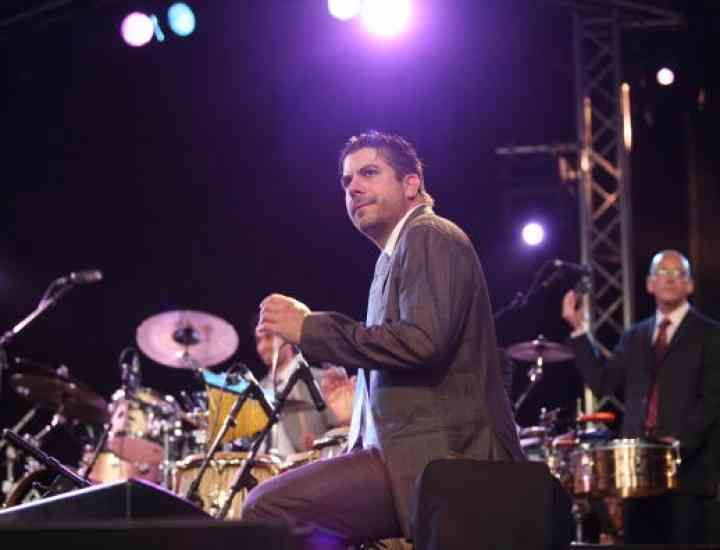 Derek Rieth, percuţionistul trupei Pink Martini,  s-a sinucis