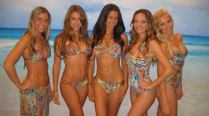 Cea mai mare parada în bikini are loc în Mamaia