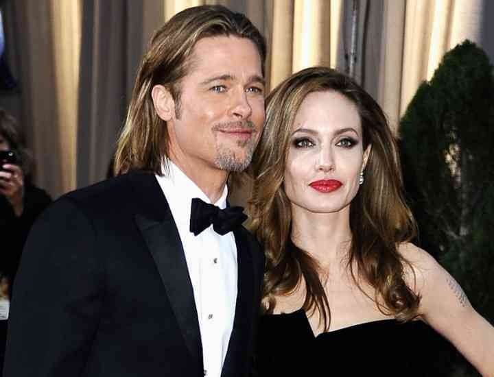 Brad Pitt şi Angelina Jolie s-au căsătorit!