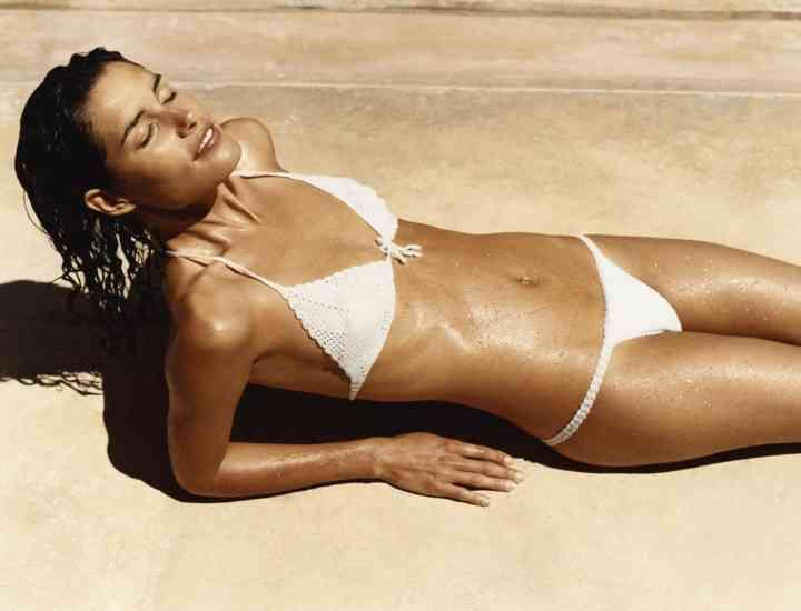 Cum să te bronzezi mai repede vara asta