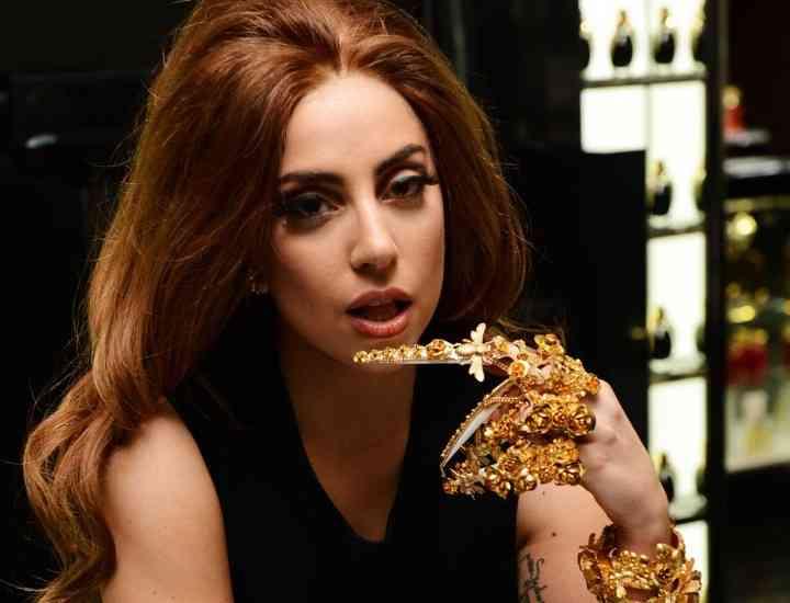 Lady Gaga lansează un nou parfum