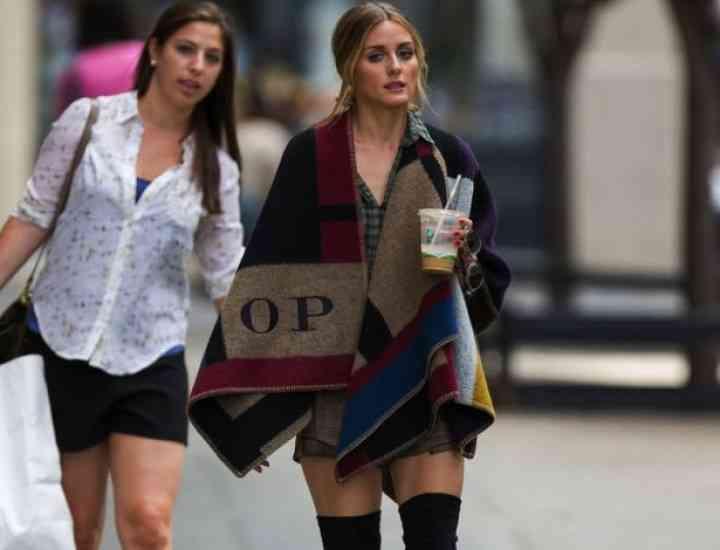 Ce se poartă în 2014: Pătura pe post de palton, la modă toamna asta