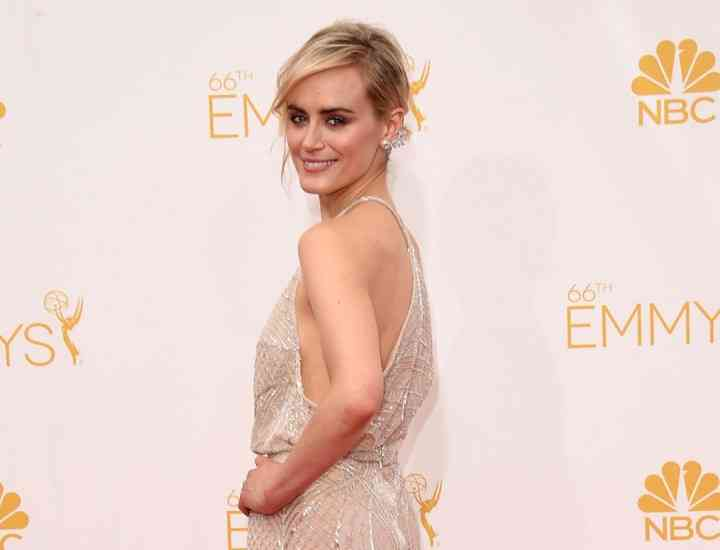 Cum s-au îmbrăcat vedetele la Premiile Emmy 2014 GALERIE FOTO