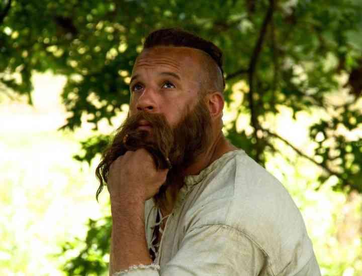 Vin Diesel este de nerecunoscut, cu o creastă și barbă lungă pentru filmul The Last Witch Hunter