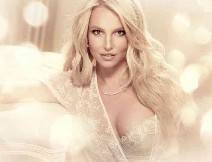 "Britney Spears a lansat colecția ""The Intimate Britney Spears"""