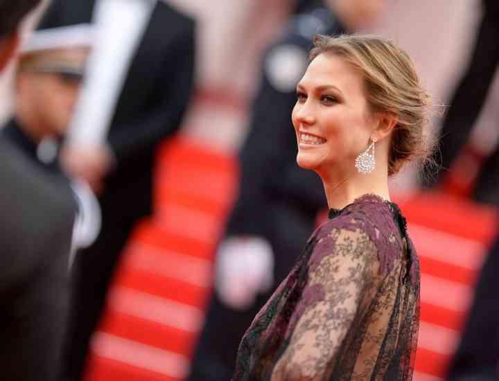 Karlie Kloss este noul ambasador L'Oreal Paris