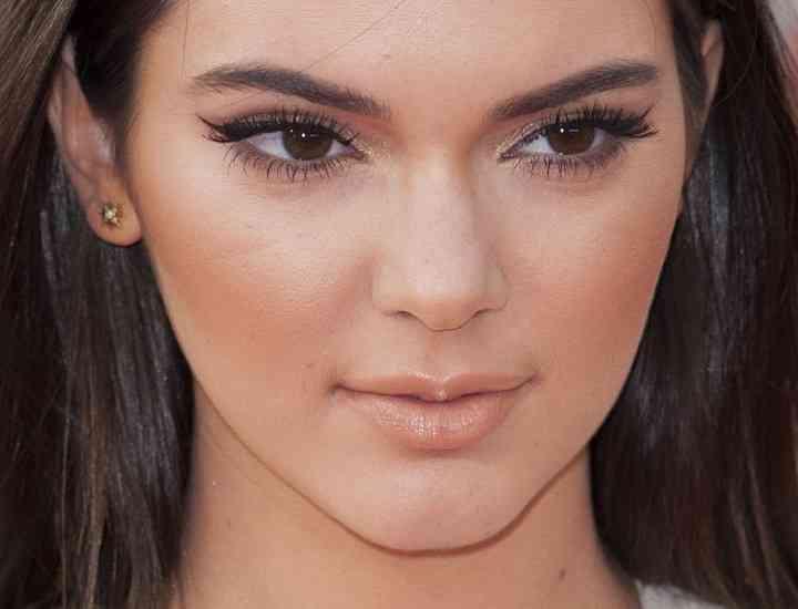 Kendall Jenner – noua preferată a presei din clanul Kardashian