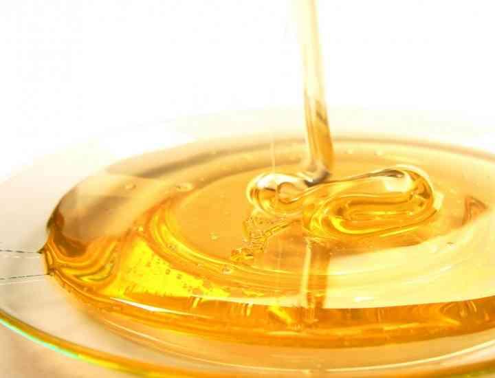 Cum ajută mierea de albine tenul