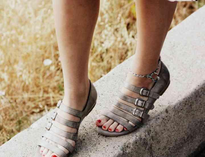 """Ce ştiu să facă pantofii cu """"tălpi inteligente""""?"""