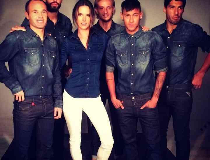 Alessandra Ambrosio este noua imagine a brandului Replay