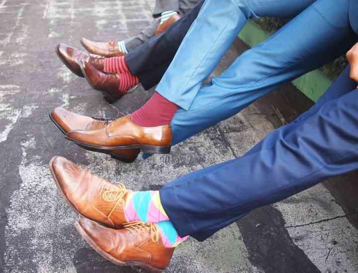Cum asortezi pantalonii cu pantofii şi şosetele