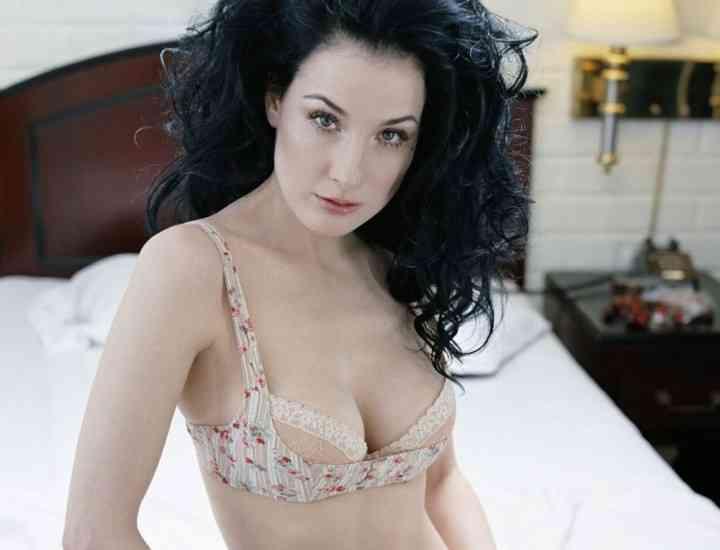 Cum alegi lenjeria intimă sexy- învăţăm de la Dita von Teese