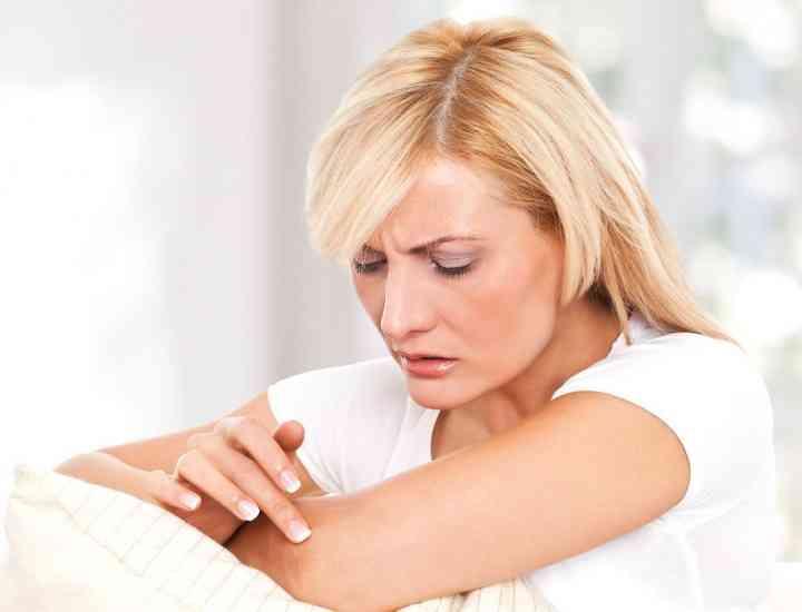 Principalele motive pentru care ai pielea uscată şi remediile de care ai nevoie